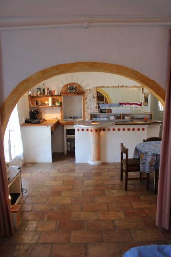 Location de vacances - Mas à Sainte-Maxime - la cuisine - salle à manger