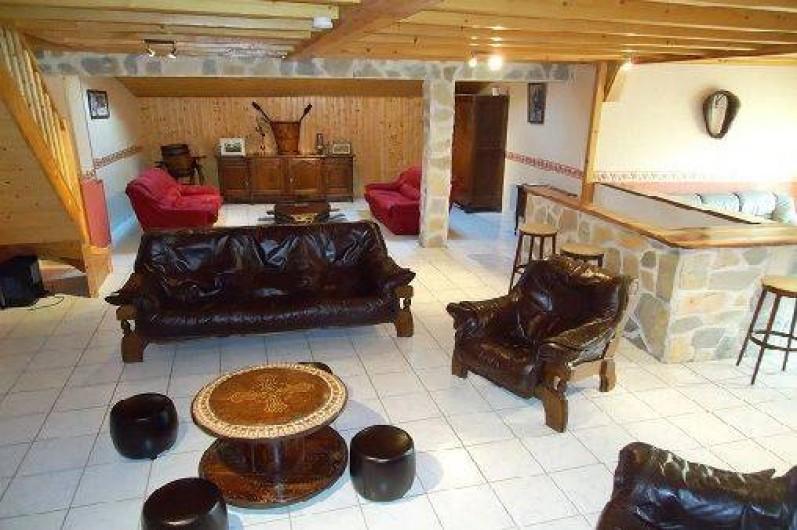 Location de vacances - Gîte à Saint-Privat-du-Dragon - Salon à l'étage