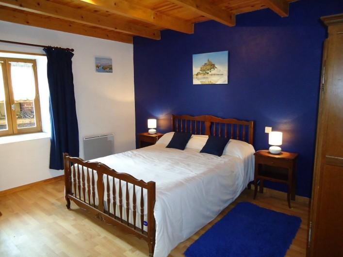 Location de vacances - Gîte à Saint-Privat-du-Dragon - Chambre avec lit 140 x 190