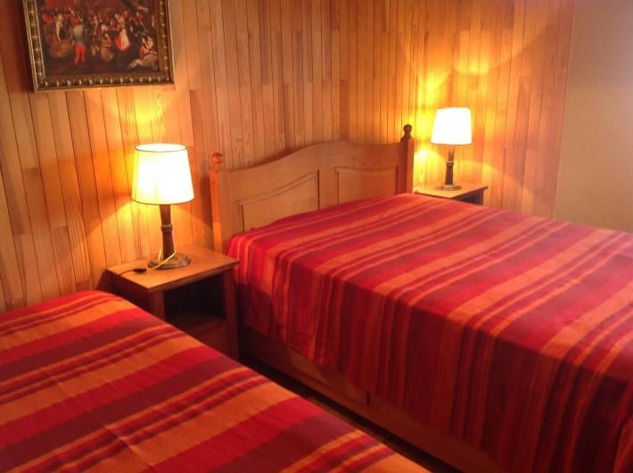 Location de vacances - Appartement à Le Monêtier-les-Bains - Chambre 1 lit double , 1 lit simple