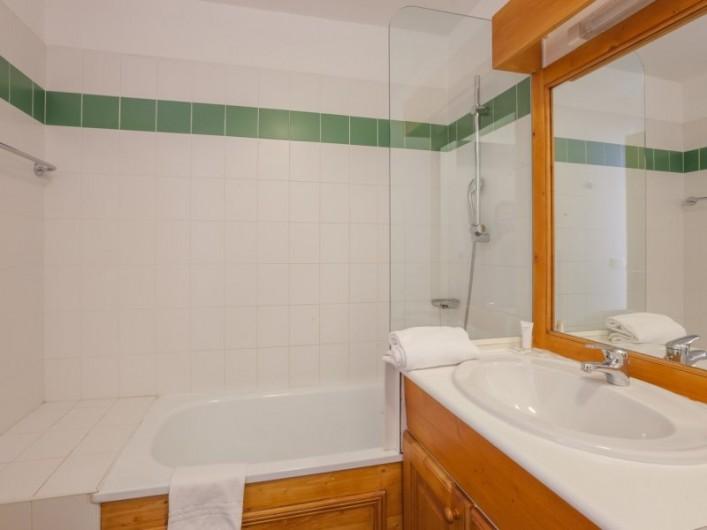 Location de vacances - Appartement à Les Menuires - Salle de bains