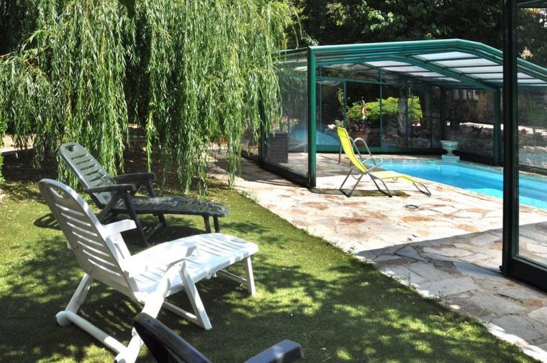 Location de vacances - Chambre d'hôtes à Cuers - le solarium