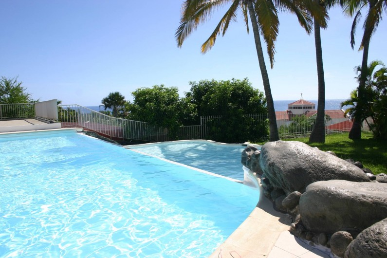 Location de vacances - Villa à Saint-Gilles les Bains - La piscine à débordement
