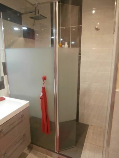 Location de vacances - Villa à Saint-Gilles les Bains - La douche à l'italienne
