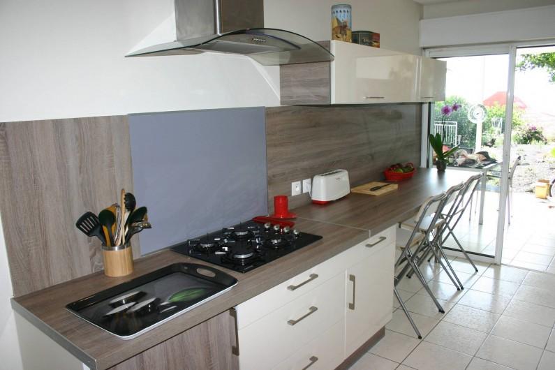 Location de vacances - Villa à Saint-Gilles les Bains - La cuisine vue mer