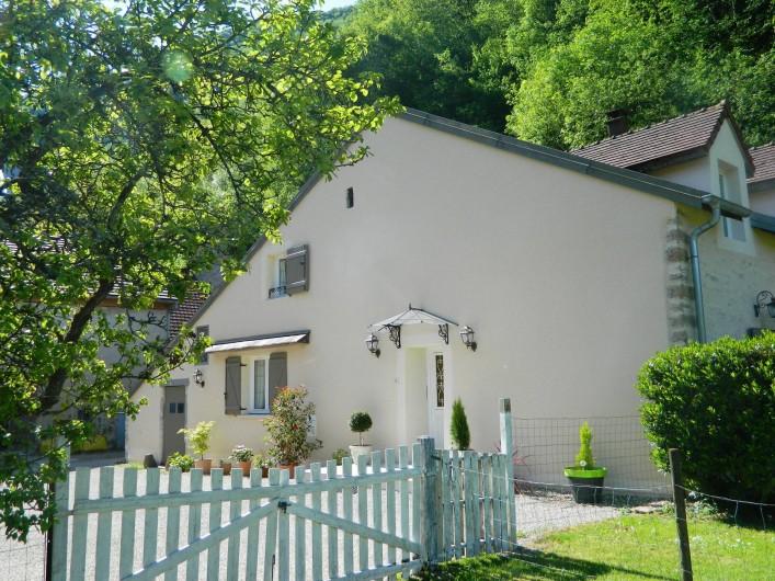 Location de vacances - Gîte à Baume-les-Messieurs - La terrasse.