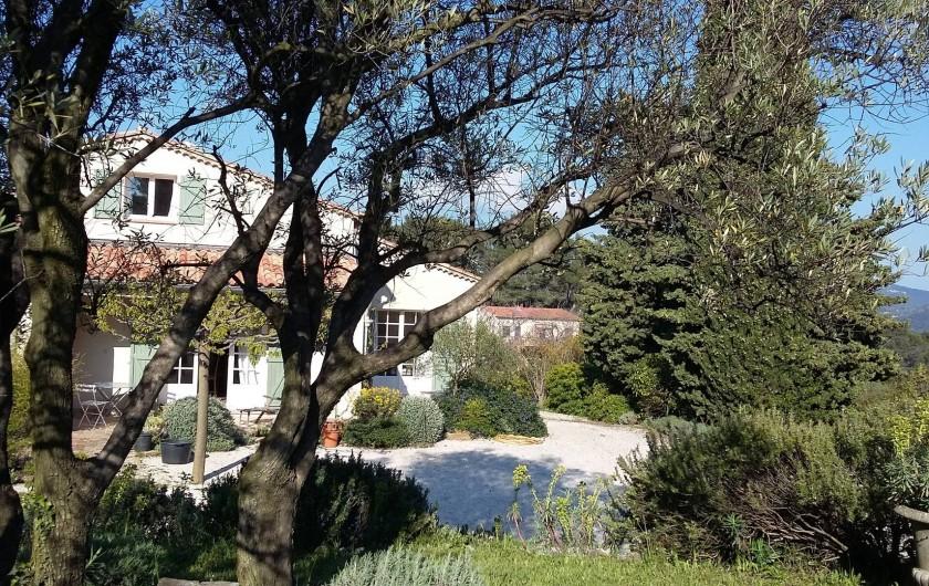 Location de vacances - Gîte à Le Beausset - la petite maison vue du haut des restanques