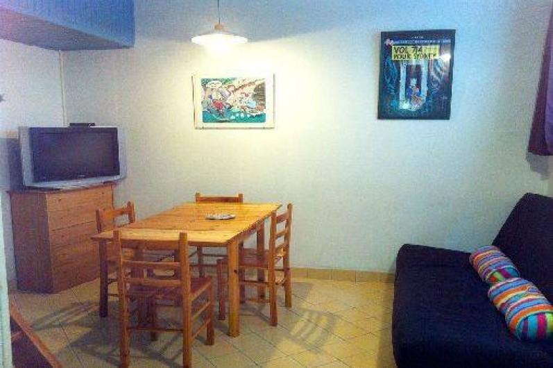 Location de vacances - Studio à Bandol - coin salle à manger