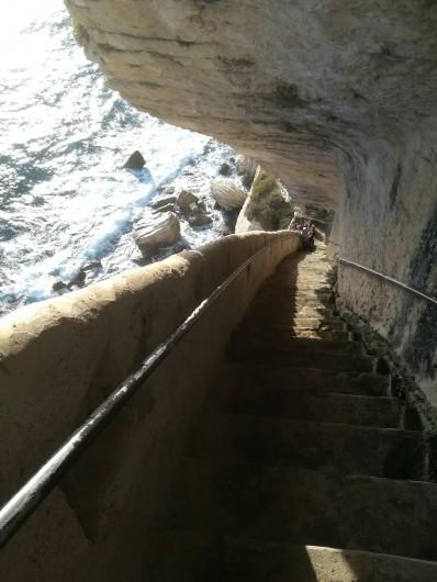Location de vacances - Appartement à Pianottoli-Caldarello - escaliers du roi d'aragon à bonifacio