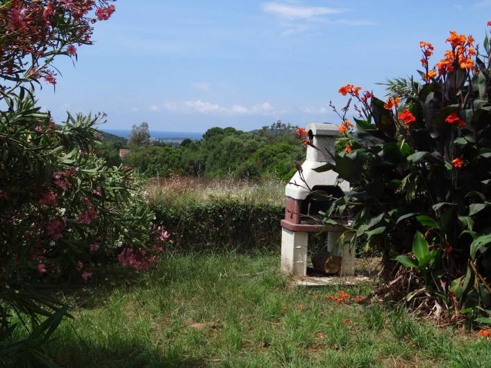 Location de vacances - Appartement à Pianottoli-Caldarello - jardin
