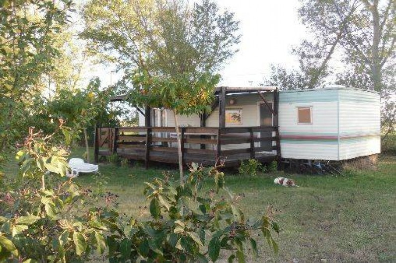 Mobil home carlipa dans l 39 aude languedoc roussillon for Camping a carcassonne avec piscine