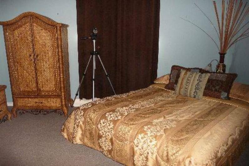 Location de vacances - Chalet à Franquelin - Chambre à coucher lit queen