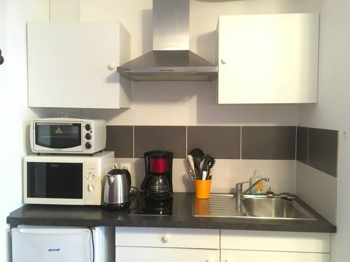 Location de vacances - Villa à Aix-les-Bains - Le coin cuisine du studio 2