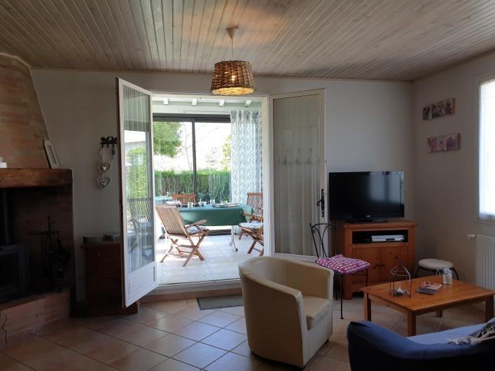 Location de vacances - Gîte à Lafrançaise - Le jardin, le buis, les oiseaux...