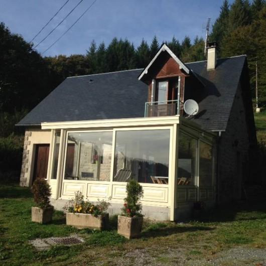 Location de vacances - Maison - Villa à Péret-Bel-Air - Façade