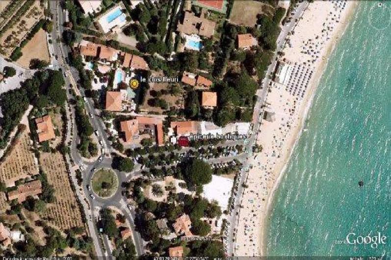 Location de vacances - Appartement à Le Lavandou - Vue aerienne