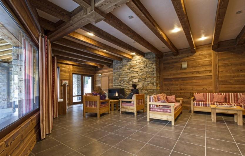 Location de vacances - Appartement à Lanslebourg-Mont-Cenis - Salon d'accueil