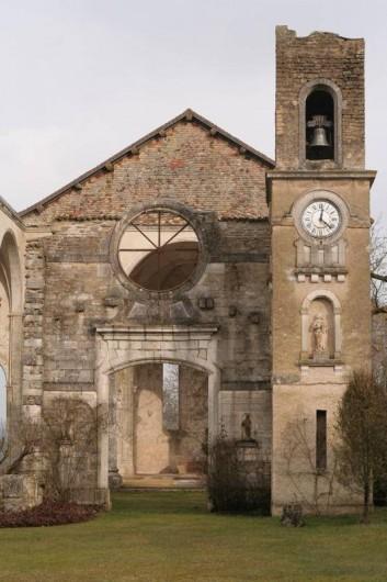 Location de vacances - Gîte à Chantraines - Abbaye de Septfontaines à 3 km du gîte