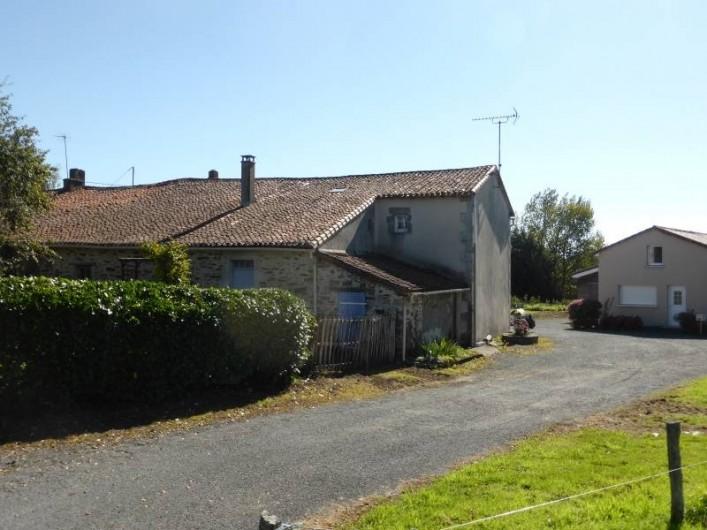 Location de vacances - Maison - Villa à Moncoutant-sur-Sèvre - Chemin d'accès au gîte