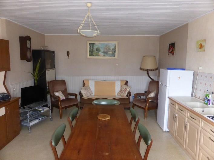 Location de vacances - Maison - Villa à Moncoutant-sur-Sèvre - Vue du coin détente et séjour