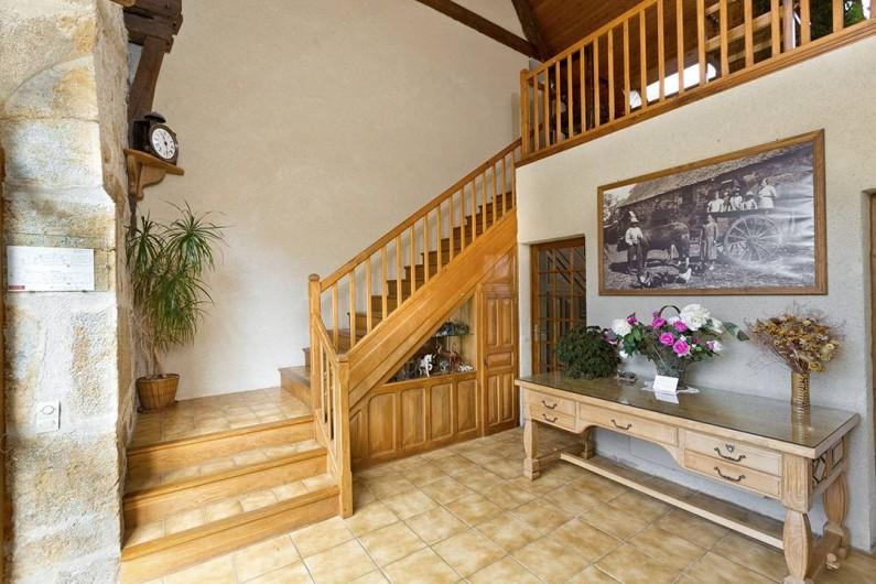 Location de vacances - Gîte à Loubressac - Entrée du gîte (ancien hôtel, 2 étoiles)