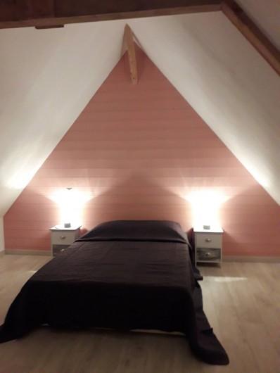 """Location de vacances - Gîte à La Force - """"Les Bricous"""" Chambre 4 (lit 140)"""
