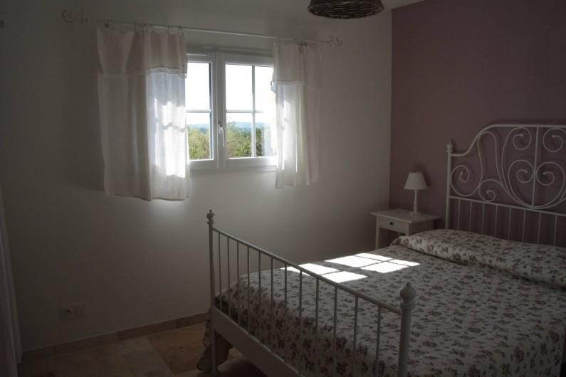 """Location de vacances - Gîte à La Force - """"Le Séchoir"""" Chambre 3 (lit 140)"""