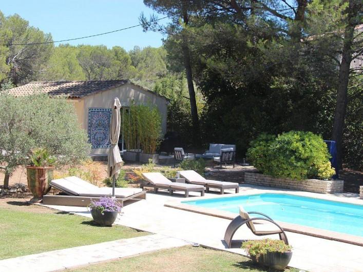 Location de vacances - Studio à Velaux - Piscine