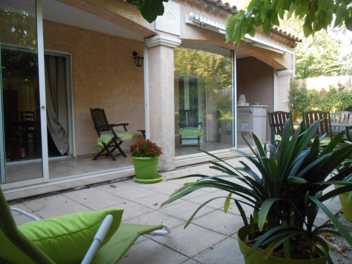 Location de vacances - Villa à Le Puy-Sainte-Réparade - Jardin