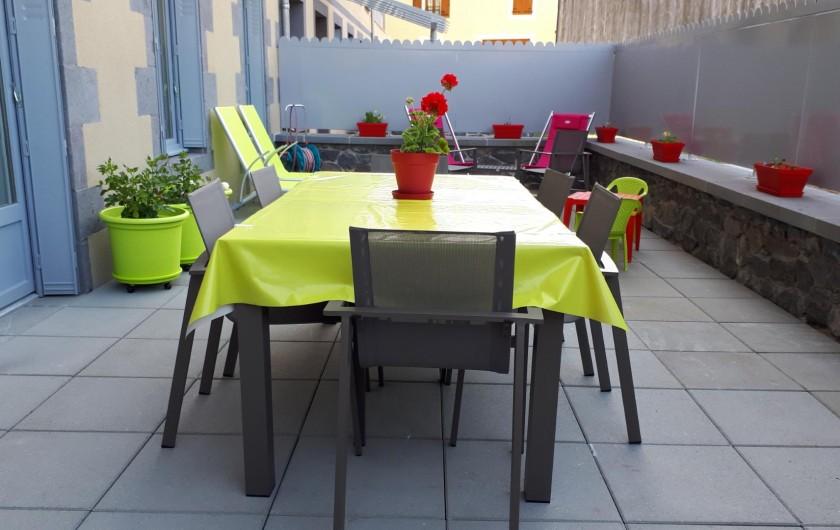 Location de vacances - Appartement à Le Mont-Dore - terrasse de 40m² fleurie
