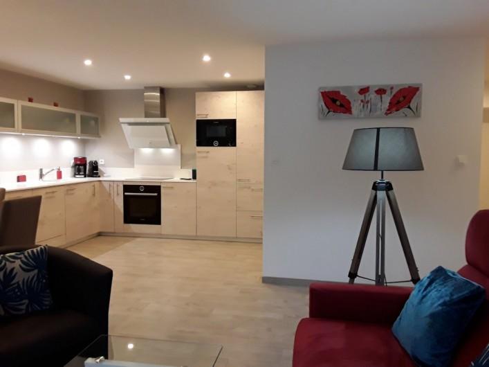 Location de vacances - Appartement à Le Mont-Dore - cuisine ouverte sur salon