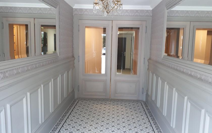 Location de vacances - Appartement à Le Mont-Dore - Entrée coté cour et appartement