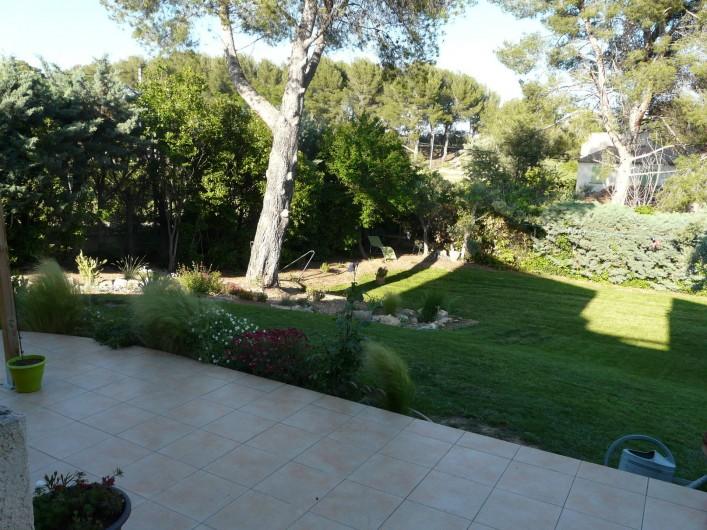 Location de vacances - Chambre d'hôtes à Velaux - Vue chambre
