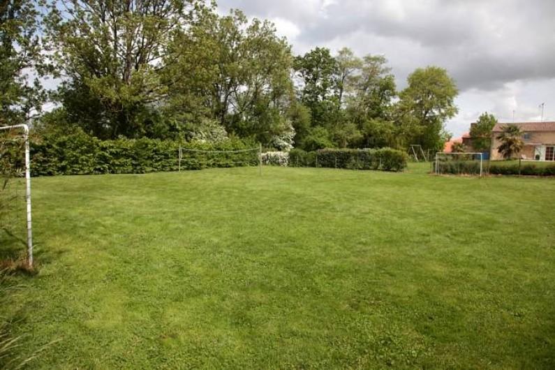 Location de vacances - Gîte à La Jaudonnière - Terrain de football et terrain de badminton