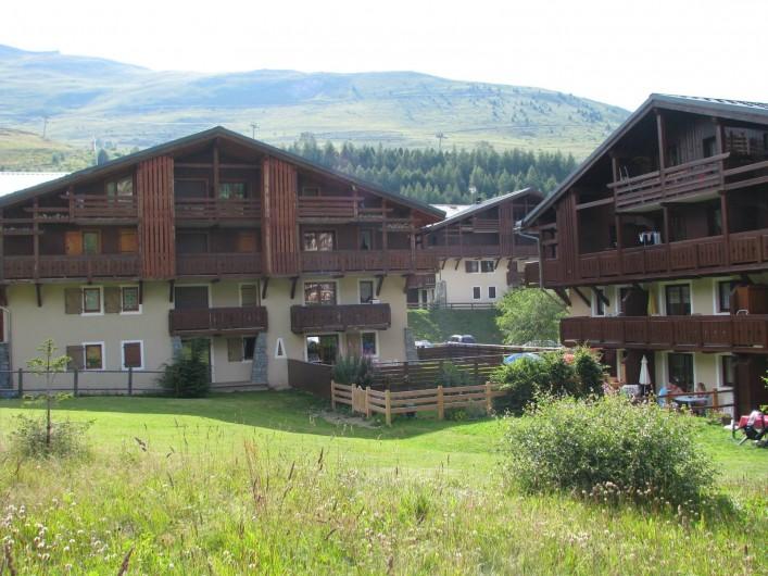 Location de vacances - Appartement à Les Deux Alpes - Appartement donnant sur la pelouse
