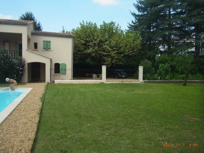Location de vacances - Appartement à Saint-Ambroix - jardin