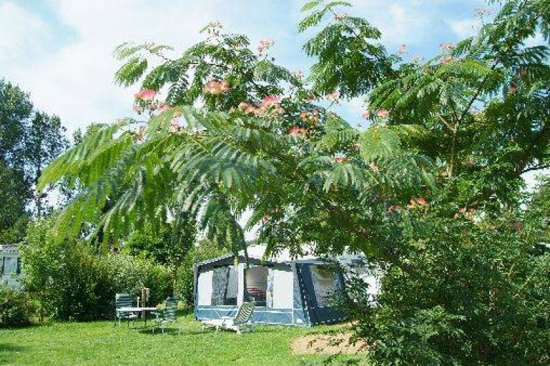 Location mobil homes chalets ou emplacements camping for Camping loches avec piscine