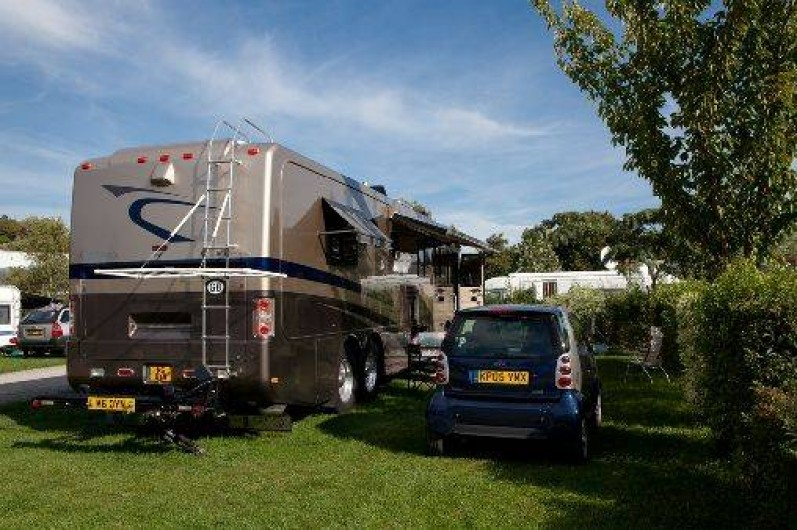 Location mobil homes chalets ou emplacements camping for Camping indre et loire avec piscine