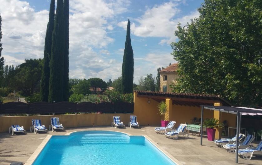 Location de vacances - Maison - Villa à Loriol-du-Comtat - Piscine de 6×12 avec bains de soleil et matelas