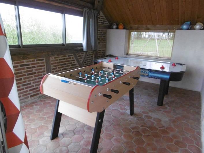 Location de vacances - Gîte à Pourlans - salle de jeux