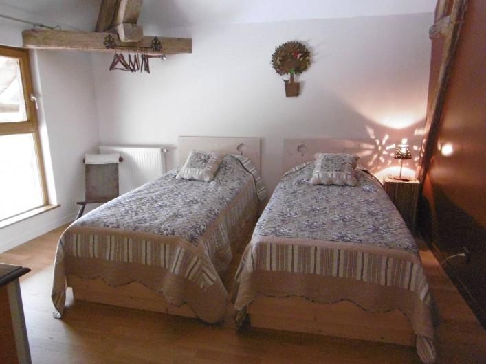 Location de vacances - Gîte à Pourlans - chambre 2 au 1er étage