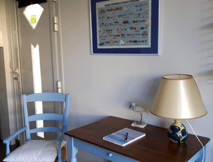 Location de vacances - Chambre d'hôtes à Gujan-Mestras - Un bureau pour l'écriture