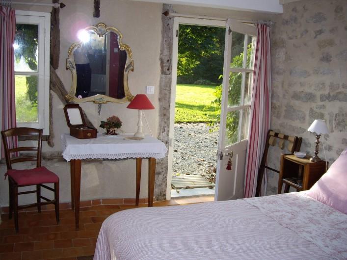 Location de vacances - Maison - Villa à Vitry-aux-Loges - Chambre grand lit RC (160x200)