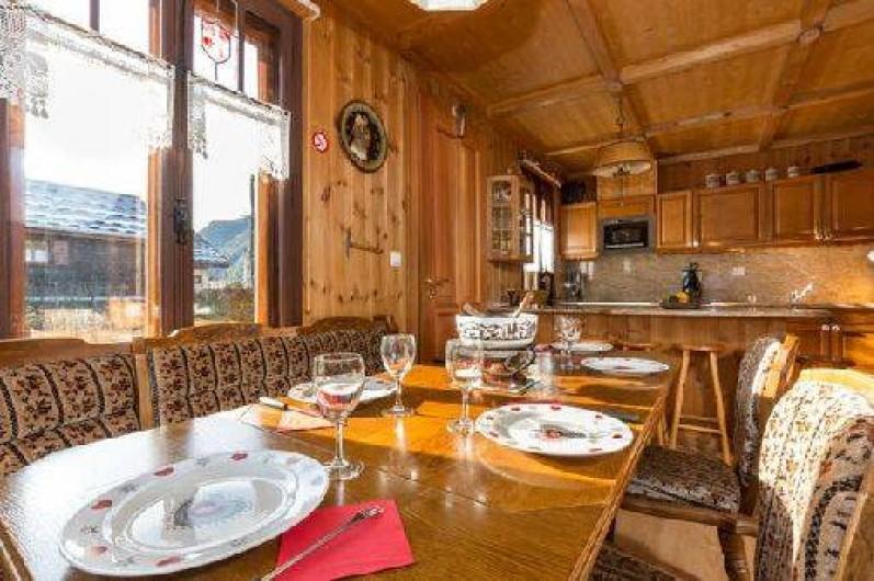 Location de vacances - Chalet à Chamonix-Mont-Blanc - Salle à manger au rez-de-chaussée