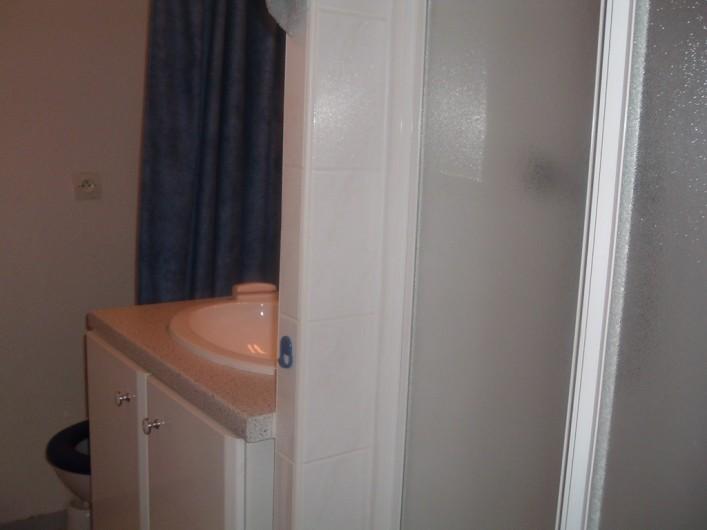 Location de vacances - Studio à Luz-Saint-Sauveur - Salle de bain (douche + WC)