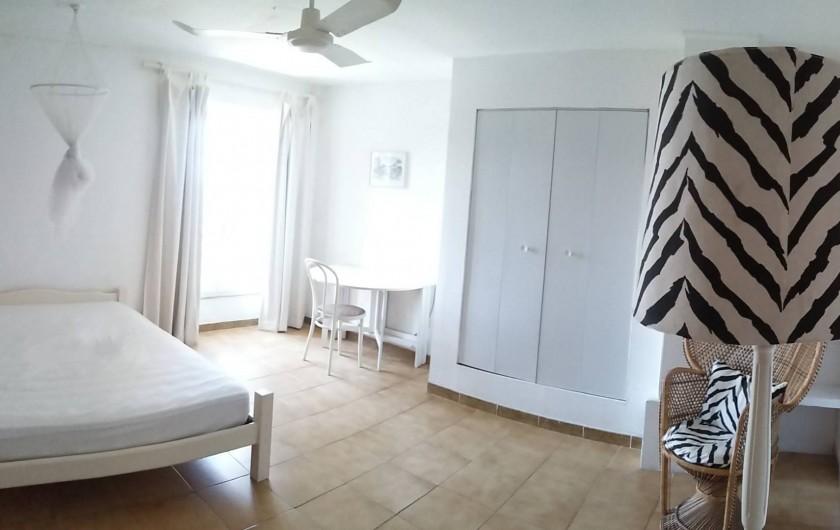 Location de vacances - Mas à L'Albère - la chambre exotique
