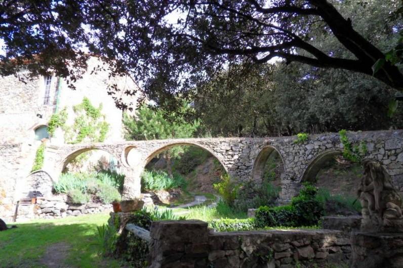 Location de vacances - Mas à L'Albère - l'aqueduc