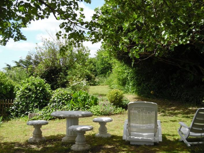 Location de vacances - Gîte à Montrichard - Jardin gazonné