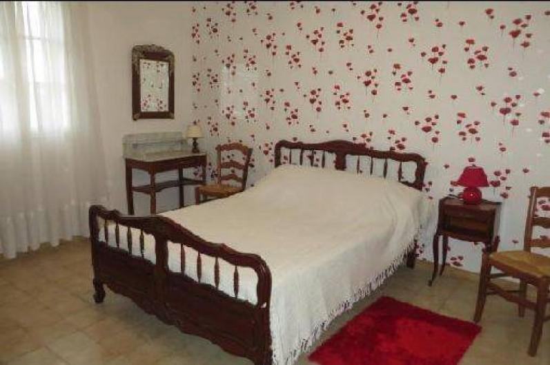 """Location de vacances - Maison - Villa à Tournan - La chambre """"Coquelicots"""""""