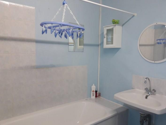 Location de vacances - Appartement à Sainte-Marie-du-Mont - salle de bain